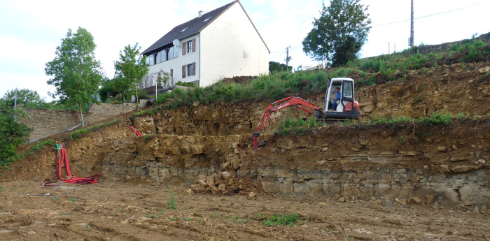 Video terrassement maison tracteur agricole for Terrassement maison